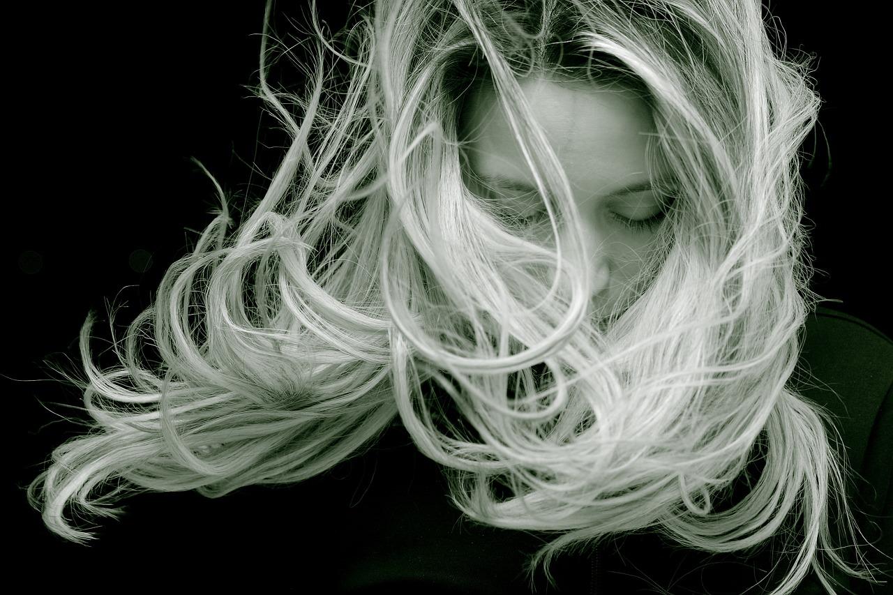 髪の毛を伸ばす方法